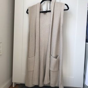 Cozy hooded sleeveless cardigan